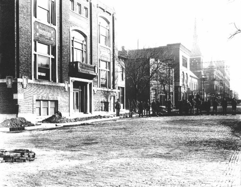 1923 Decatur, Il., Construction